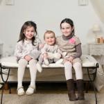 Mesdemoiselles E., J. et R. (portrait entre soeurs)