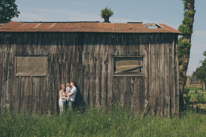 rennes photographe famille campagne grange