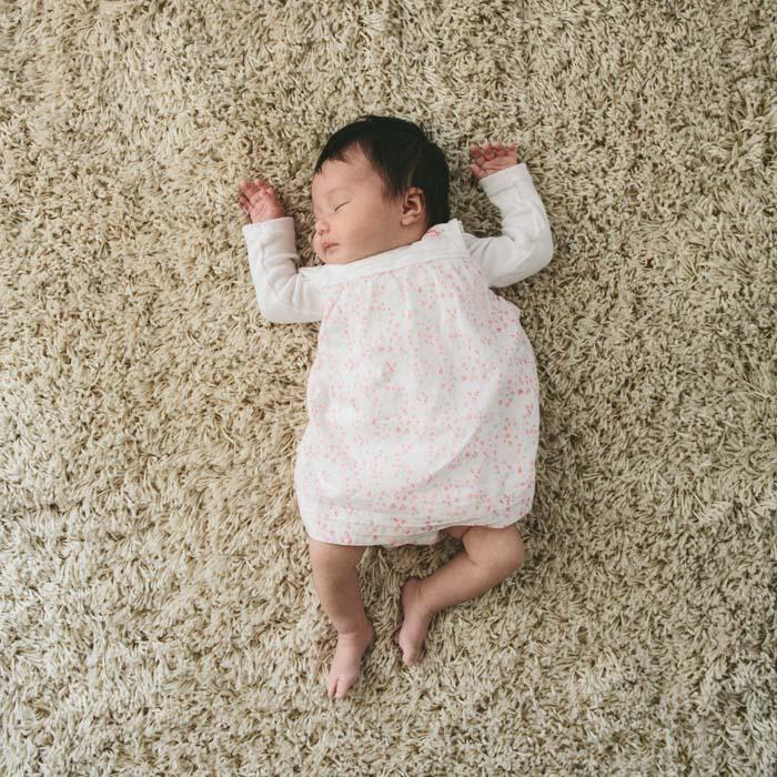 rennes photographe portrait de bebe naissance nouveau ne original