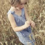 Mademoiselle B. dans les blés …