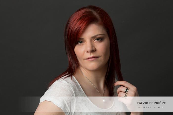 portrait de femme en studio idee cadeau photo couleurs