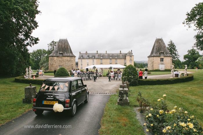 mariage ceremonie laïque bretagne chateau de la robinais