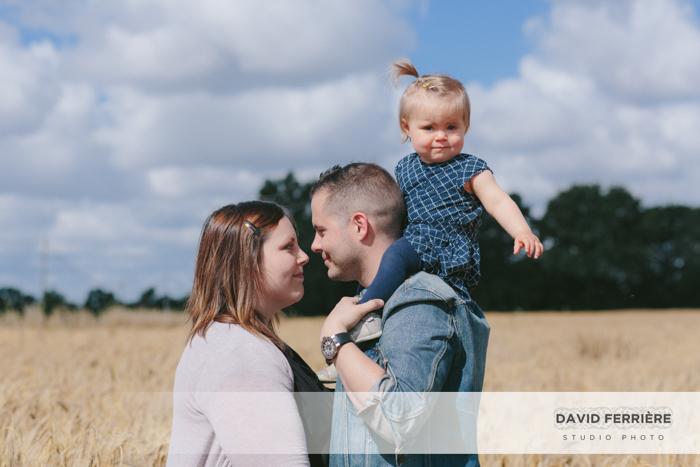 20160716-david-ferriere-photographe-portrait-famille-rennes-champ-ble-lumiere-naturelle-cheque-cadeau-naissance-10