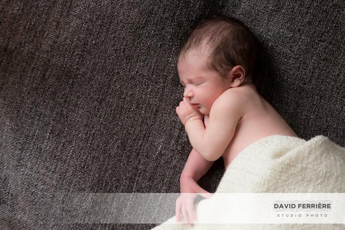 seance photo portrait de naissance bebe rennes photographe original