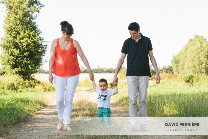 seance photo de famille dans les champs de blé rennes bretagne ille et vilaine