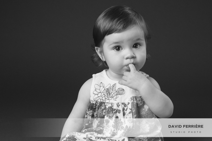 20171013-david-ferriere-photographe-rennes-seance-photo-bebe-enfant-studio-noir-et-blanc-1