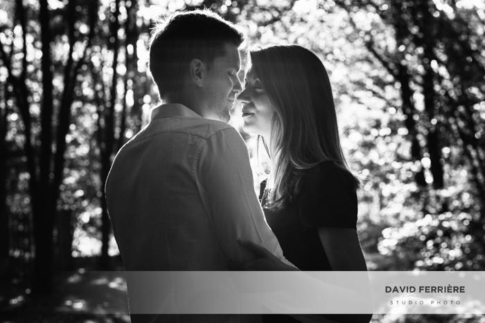 couple amoureux superbe lumière golden hour rennes shooting photo love parc exterieur original portrait