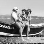 Mesdemoiselles A. et P., une séance photo portrait famille en bateau sur la Rance