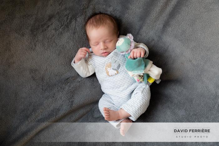 portrait bebe naissance doudou shooting enfant nouveau ne rennes