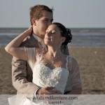 portraits de mariés en forêt et bord de mer