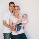 Monsieur E. et ses parents (un portrait de naissance à domicile)