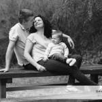 Monsieur L. et ses parents (un portrait en extérieur)