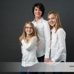 Mesdemoiselles C & R, et leur Maman